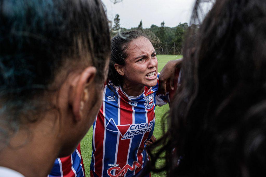 Internacional vence o Coritiba e assume liderança do grupo A - Olimpia Sports