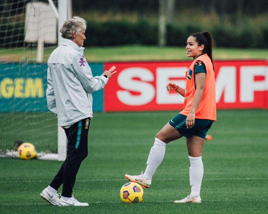 """""""Independe do placar e do que vai acontecer nos três jogos, nós vamos ter mais respostas"""", afirma Pia sobre She Believes - Olimpia Sports"""