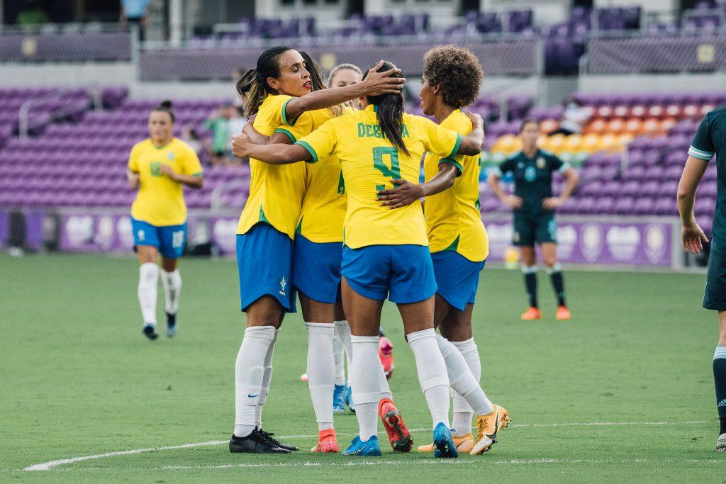 """""""Estou feliz com as jogadoras que vieram do banco"""", afirma Pia após vitória contra a Argentina - Olimpia Sports"""