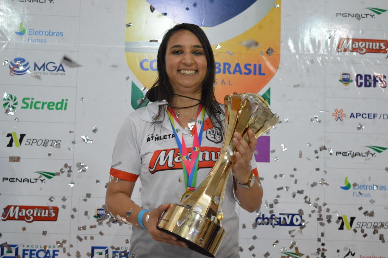 Exclusivo: Eleita a melhor treinadora de Futsal do Mundo, Cris Souza vê o prêmio como uma conquista para a modalidade - Olimpia Sports