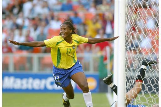 Kátia Cilene, do atletismo à artilheira de ligas internacionais de futebol - Olimpia Sports