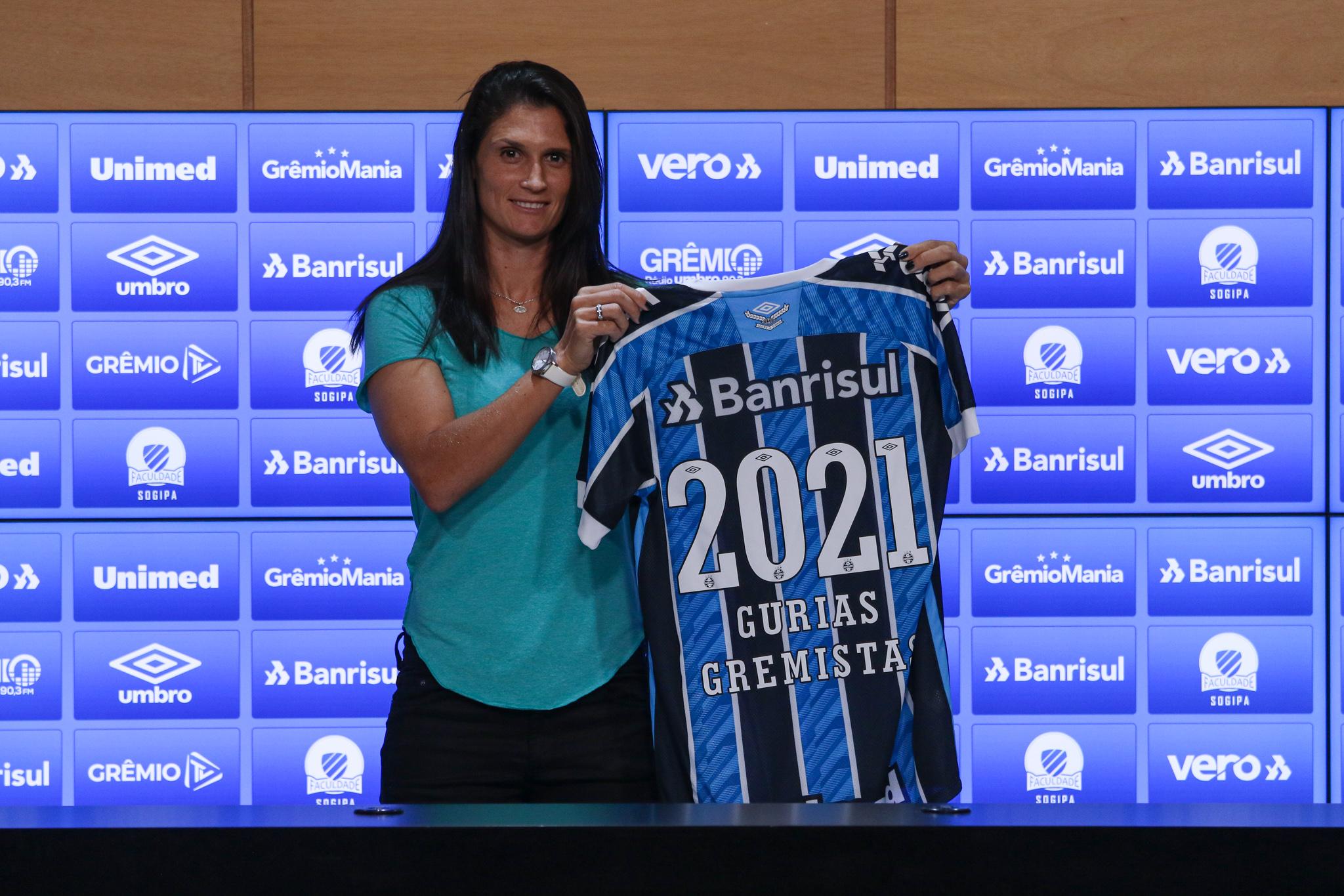 Grêmio anuncia zagueira Andréia Rosa para temporada 2021 - Olimpia Sports