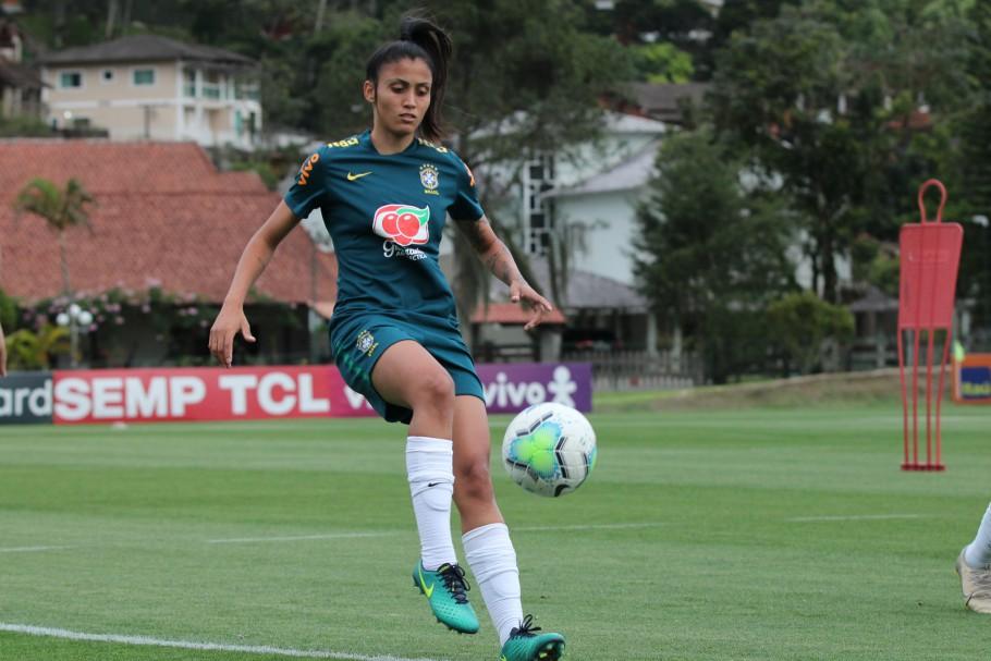 Caçula na Seleção Feminina, Jaqueline destaca mais uma oportunidade com Pia - Olimpia Sports