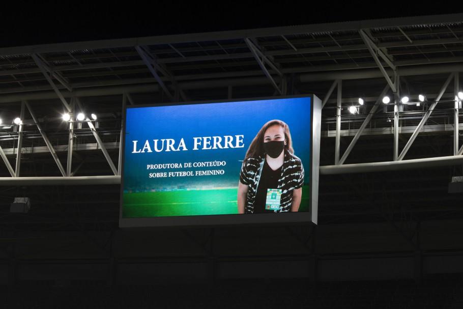 Telão do Allianz Parque presta homenagem a Laura Ferre. Créditos: Lucas Figueiredo/CBF