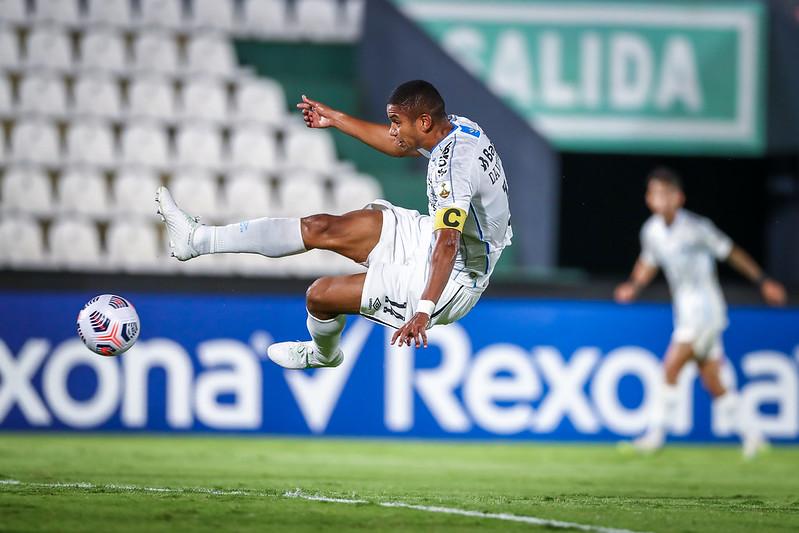 Opinião: Surto de Covid-19 no Grêmio afeta Libertadores - Olimpia Sports