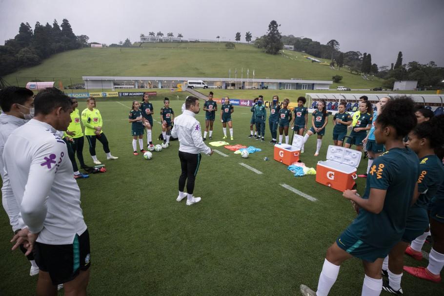 Seleção Feminina Sub-20 treina na Granja Comary de olho no novo ciclo da categoria - 19/02/2021. Jonas Urias. Créditos: Thais Magalhães/CBF