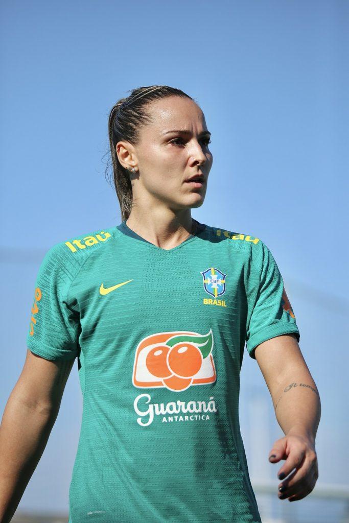 Giovanna Crivelari em treino comandado por Pia Sundhage com grupo completo Créditos: Carolina Brito/CBF