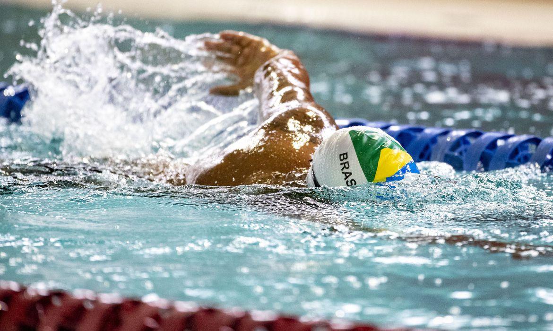 13.05.21 - Ronystony Cordeiro em treino de natação no CT Paralímpico, em São Paulo. Foto: Ale Cabral/CPB.