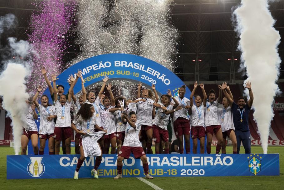 Na edição de 2020, o Fluminense se consagrou campeão e levou a taça para as Laranjeiras. Créditos: Thais Magalhães/CBF