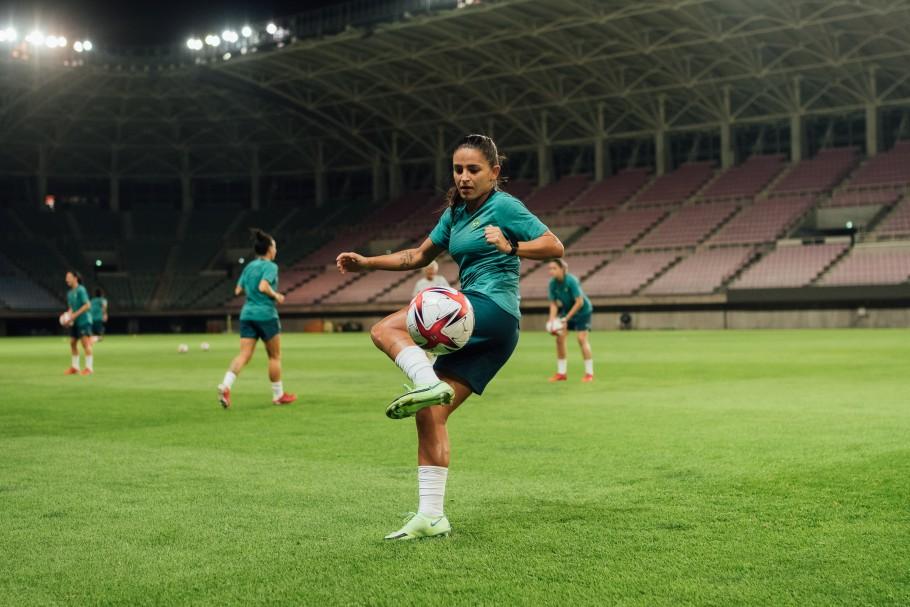 De olho na estreia na Olimpíada, Seleção Feminina faz primeiro treino no Japão. Debinha Créditos: Sam Robles/CBF