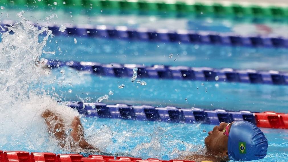 Gabriel Geraldo nada durante prova que conquistou a primeira medalha para o Brasil nos Jogos de Tóquio   Foto: Miriam Jeske / CPB