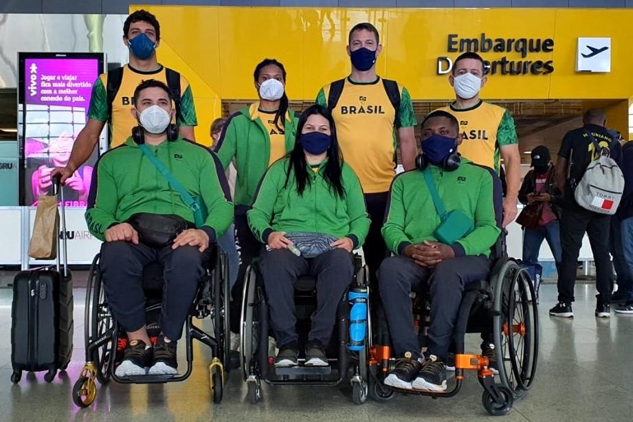 Atletas de Esgrima Foto: Confederação Brasileira de Esgrima/Divulgação