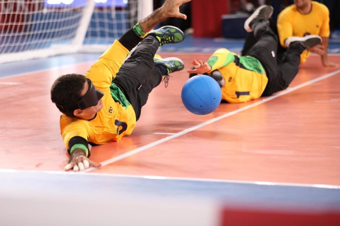 Defesa foi um dos destaques da seleção na estreia. Foto: Pedro Ramos/ rededoesporte.gov.br