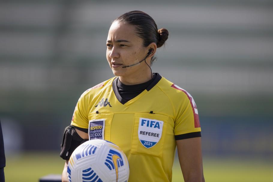 Edina Alves Batista será a árbitra da final do Brasileirão Feminino Neoenergia Créditos: Liamara Polli/CBF