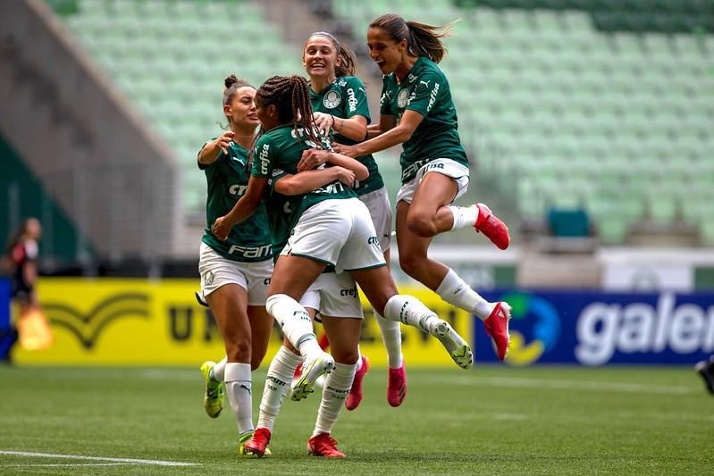 Palmeiras e Internacional se enfrentam pelo jogo de volta das semis do Brasileirão Feminino Créditos: Rebeca Reis e Cristiane Mattos / Staff Images Woman / CBF