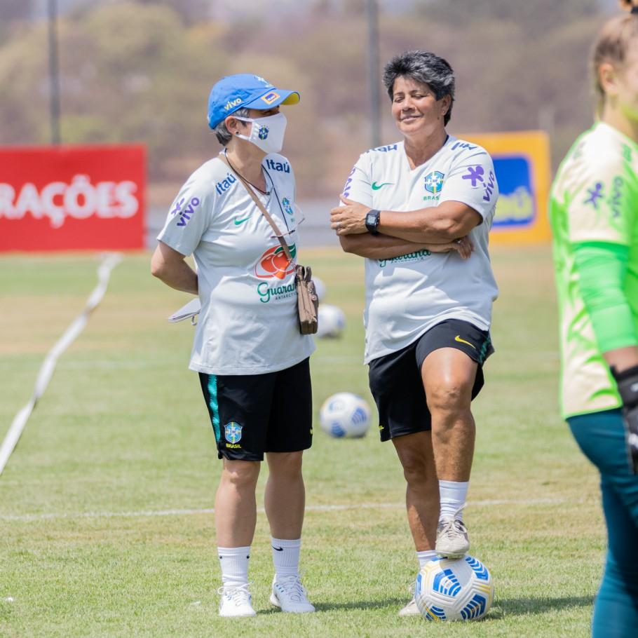 Primeira capitã da Amarelinha, Marisa é auxiliar pontual da Seleção Feminina Sub-20 - Olimpia Sports