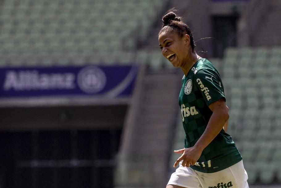 Maria comemora um dos gols do Palmeiras sobre o Internacional na semifinal do Brasileirão Feminino Neoenergia Créditos: Cris Mattos / Staff images Woman / CBF