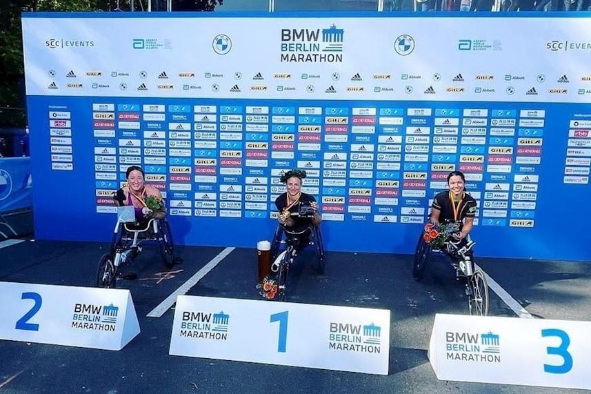 Aline Rocha fatura bronze na Maratona de Berlim   Foto: Arquivo pessoal