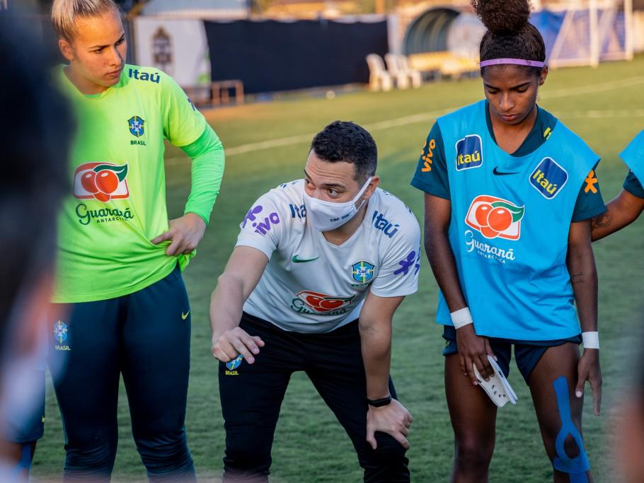Seleção Feminina Sub-20 faz jogo-treino contra o Real Brasília. Jonas Urias. Créditos: Júlio César Silva/CBF